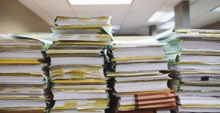 ¿Qué plazo hay para conservar las facturas y otros documentos contables?